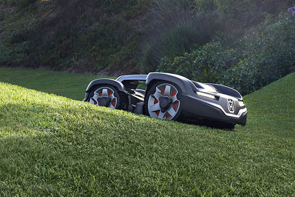 Automower on grass slope